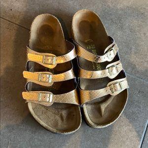 Like new Birkenstock women's sandals 3 strap sz 8
